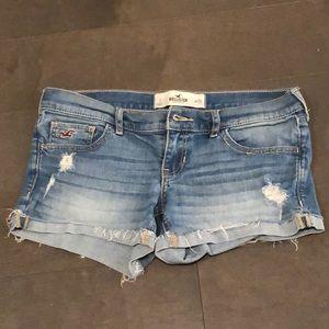 Hollister sz 3 jean shorts, super cute!